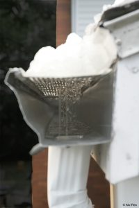 Snow gutter clean